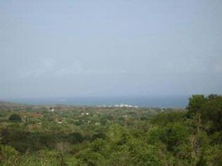 Lot <b>Size:</b> 31,746.79 sq mts  Land style home in Vieques