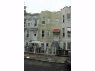 7 BR,  3.00 BTH  2 story style home in BUSHWICK