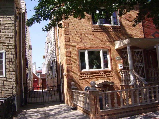 2 BR,  2.50 BTH  Contemporary style home in BROOKLYN