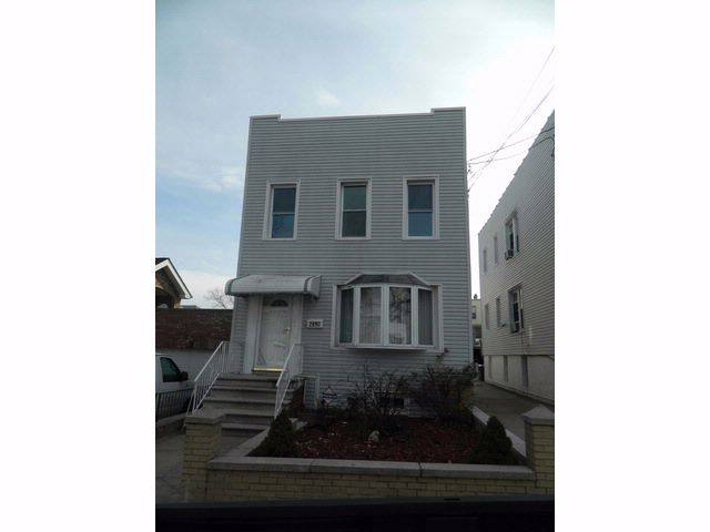 [Throggs Neck Real Estate, listing number 6462796]