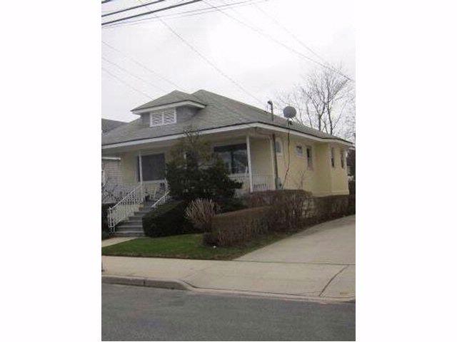 [NEPONSIT Real Estate, listing number 6469601]