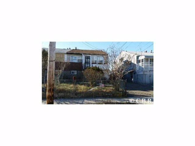 5 BR,  2.00 BTH  House style home in Far Rockaway