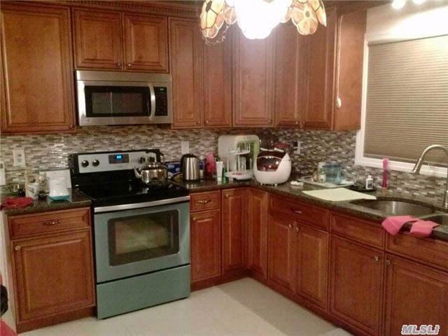 4 BR,  1.50 BTH Exp ranch style home in Hicksville
