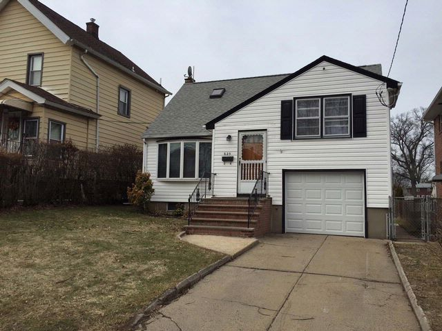 3 BR,  1.00 BTH  Split-level style home in Linden