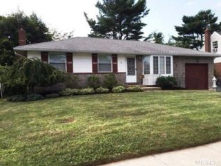 [Syosset Real Estate, listing number 6615958]