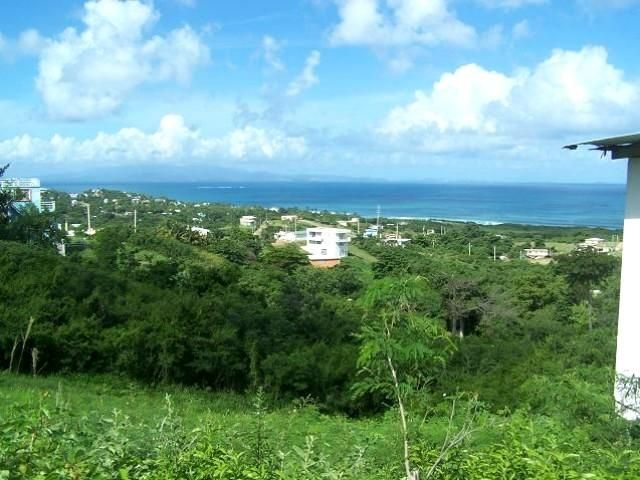 Lot <b>Size:</b>   Land style home in Vieques
