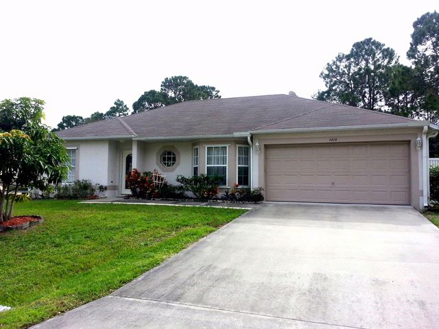 4 BR,  2.00 BTH Contemporary style home in Palm Bay