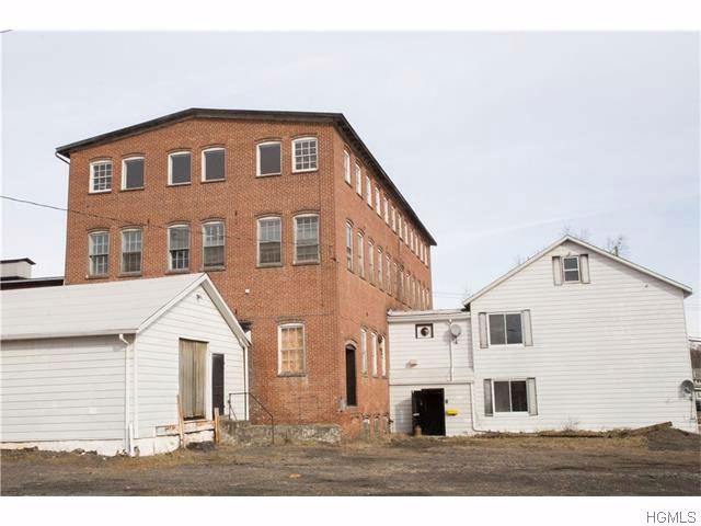 Studio,  0.00 BTH Commercial style home in Walden