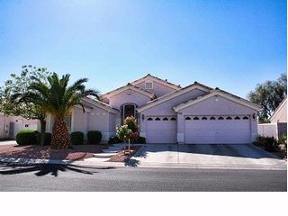 4 BR,  3.00 BTH  Contemporary style home in Las Vegas