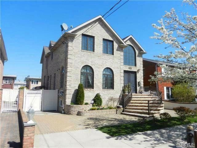 [Howard Beach Real Estate, listing number 6677260]