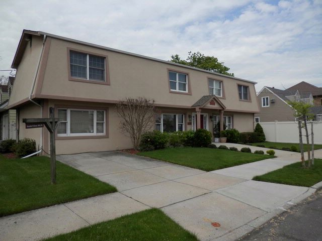 [Howard Beach Real Estate, listing number 6682502]