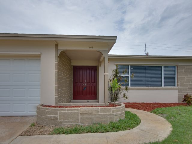 3 BR,  2.00 BTH Contemporary style home in Indian Harbor Beach