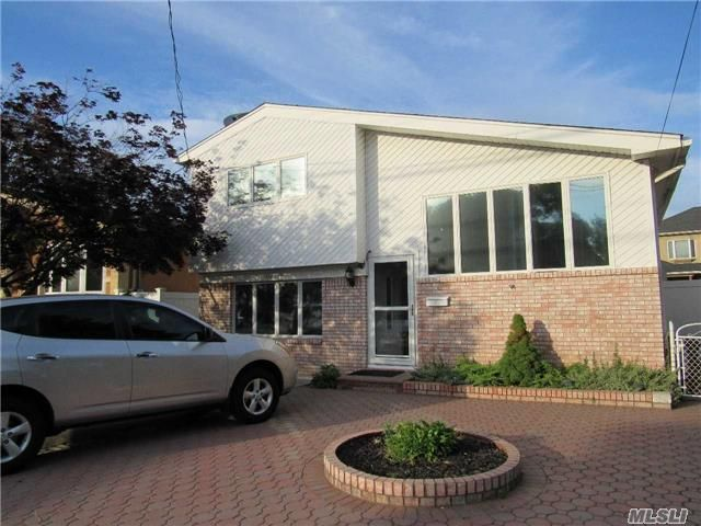 [Howard Beach Real Estate, listing number 6685005]