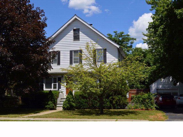 4 BR,  2.50 BTH Duplex style home in Buchanan