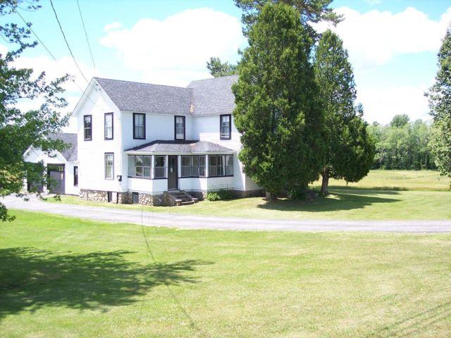 6 BR,  1.00 BTH Farm house style home in Gabriels