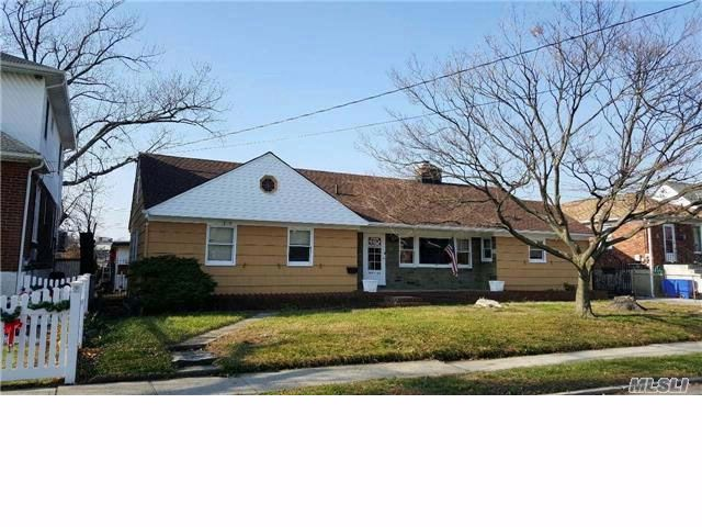 [Howard Beach Real Estate, listing number 6700378]