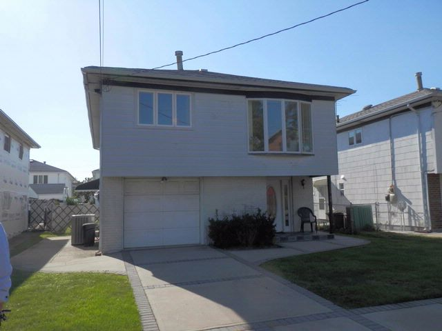 [Howard Beach Real Estate, listing number 6700444]