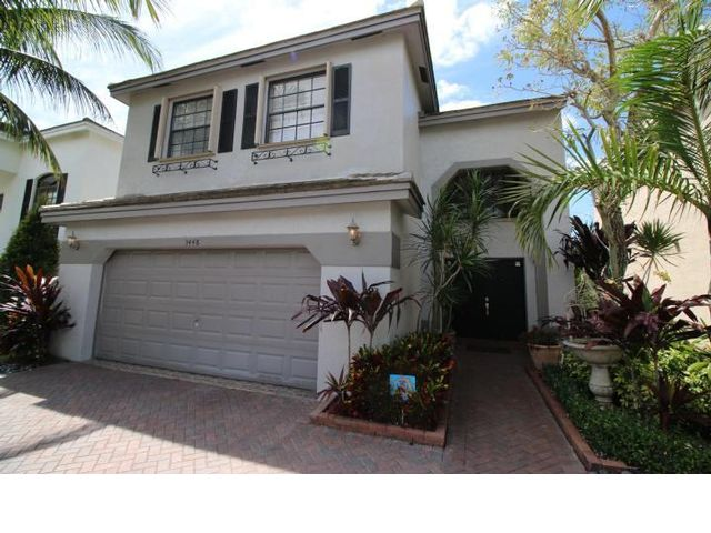 4 BR,  2.50 BTH 2 story style home in Coral Springs