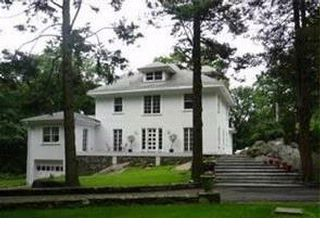 4 BR,  4.00 BTH  Colonial style home in Croton On Hudson