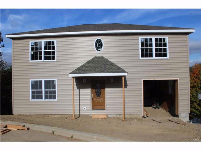 3 BR,  2.50 BTH Colonial style home in Peekskill