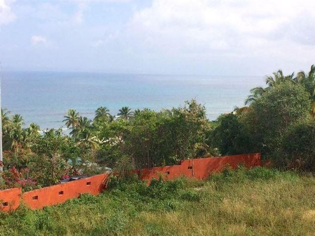 Lot <b>Size:</b> 1,466.59 sq mts  Land style home in Vieques