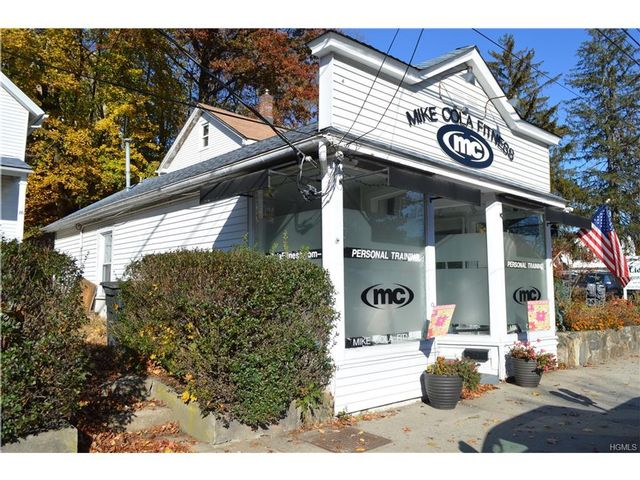 3 BR,  2.50 BTH  Colonial style home in Mount Kisco