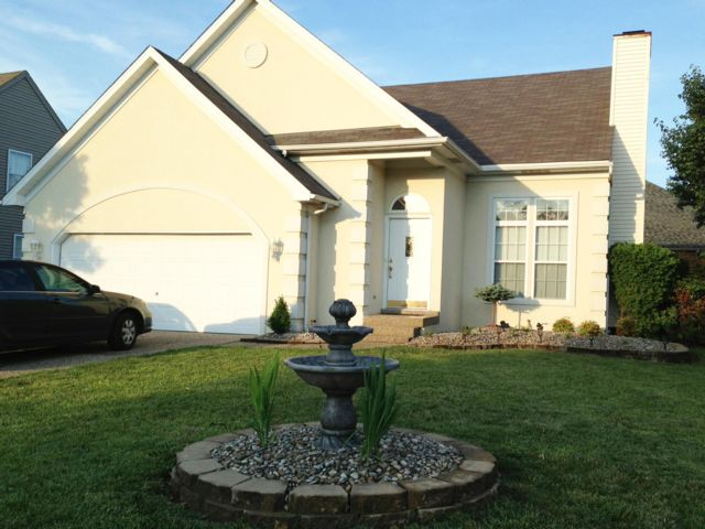 3 BR,  2.50 BTH Contemporary style home in Louisville