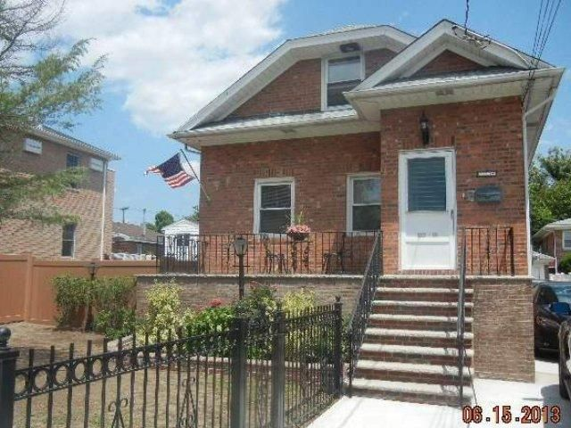 [Howard Beach Real Estate, listing number 6740357]