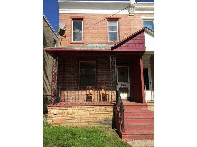 4 BR,  2.00 BTH  2 story style home in Oaklyn