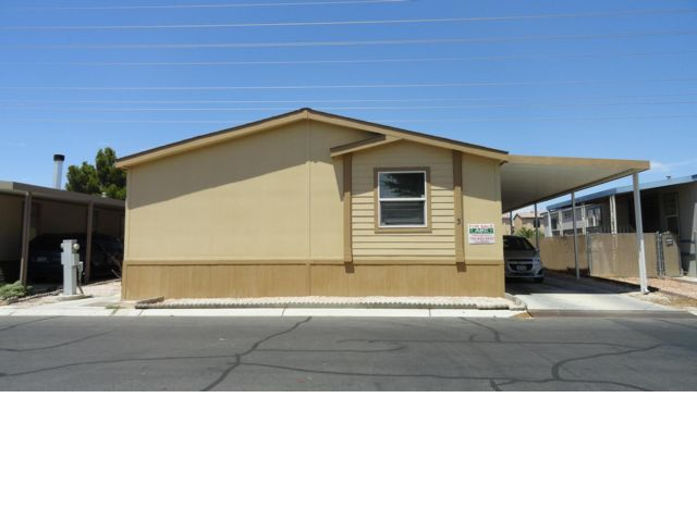 5 BR,  3.00 BTH  Mobile home style home in Las Vegas