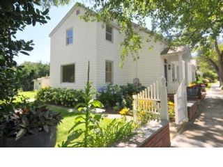 3 BR,  2.00 BTH  Traditional style home in Sag Harbor