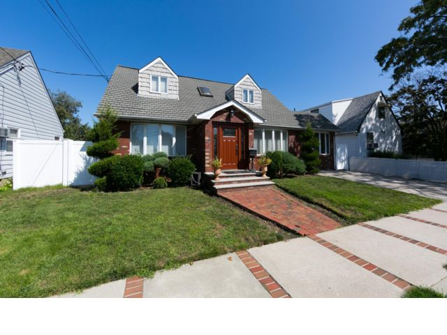 [Howard Beach Real Estate, listing number 6768681]