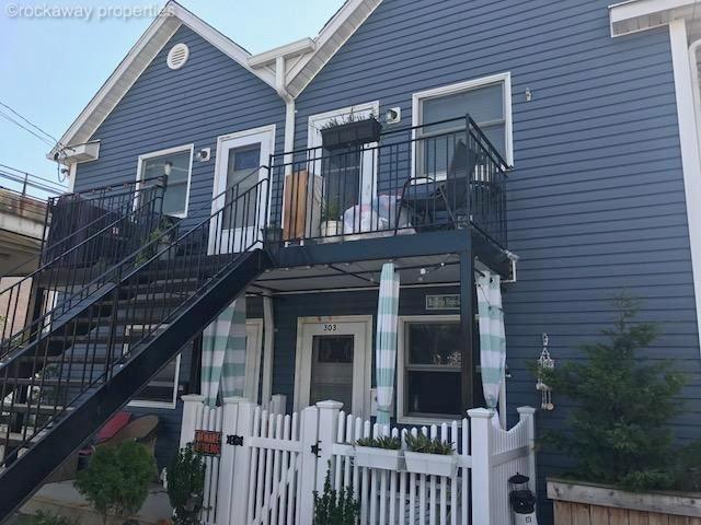 4 BR,  2.00 BTH  style home in Rockaway Beach