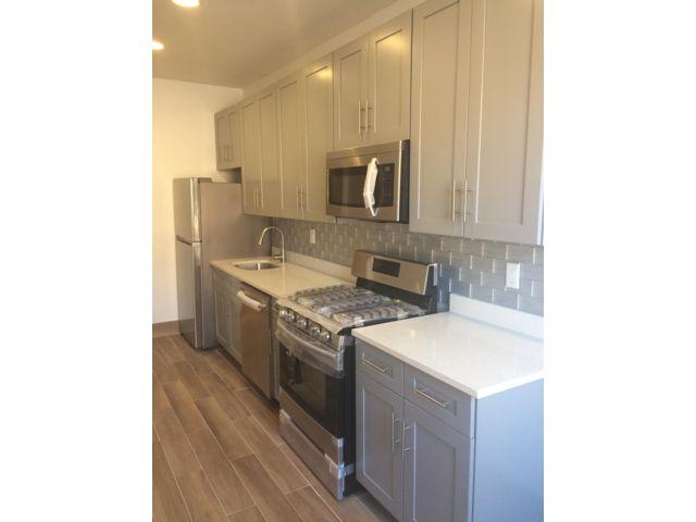 [Flatlands Real Estate, listing number 6773021]