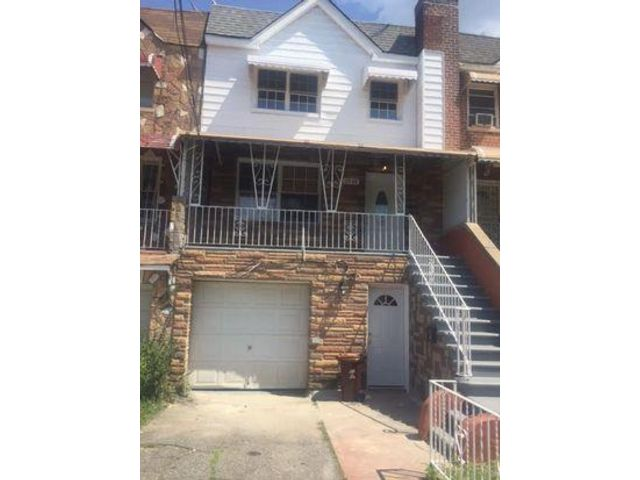 5 BR,  3.00 BTH   style home in Baychester