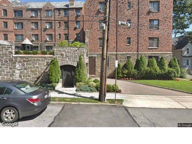 [Pelham Real Estate, listing number 6784848]