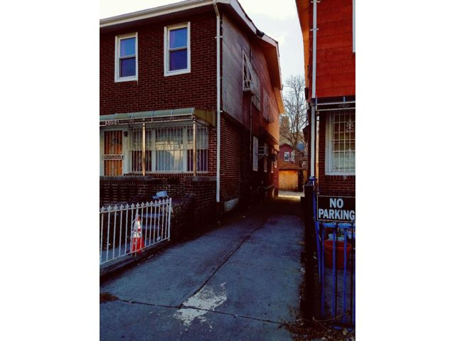 5 BR,  2.00 BTH  2 story style home in Brighton Beach