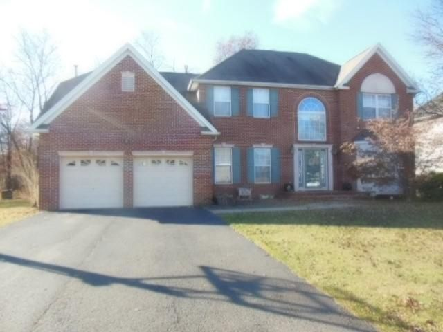 4 BR,  3.50 BTH  Colonial style home in Piscataway