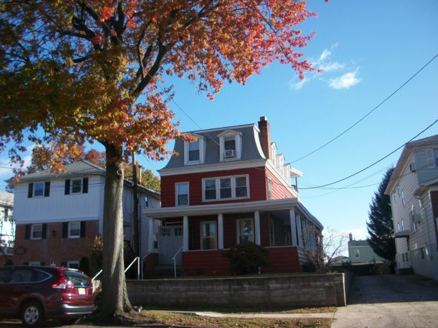 10 BR,  3.00 BTH  Colonial style home in Bayonne