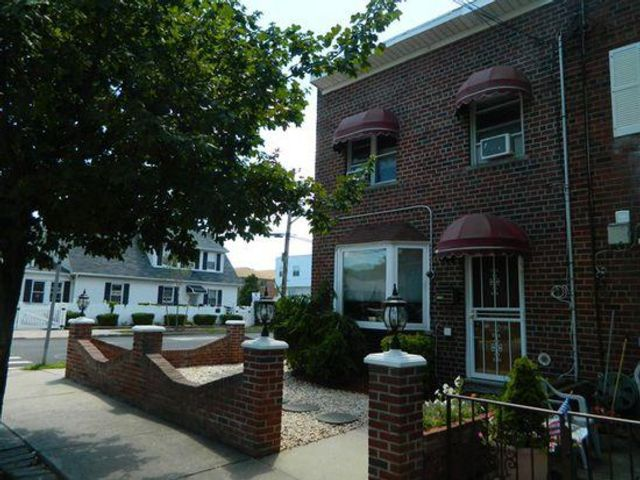 [Throggs Neck Real Estate, listing number 6791033]