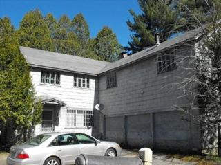 8 BR,  3.00 BTH Farm house style home in Malone