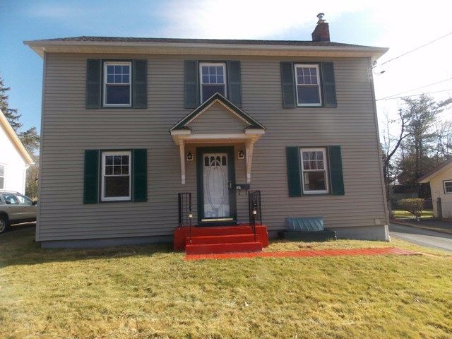 3 BR,  1.50 BTH  Colonial style home in Liberty