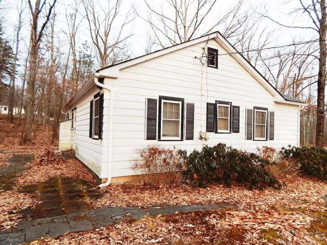 2 BR,  1.00 BTH  Bungalow style home in Wurtsboro