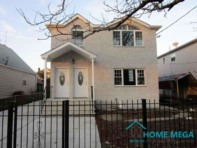 [Rochdale Real Estate, listing number 6800057]