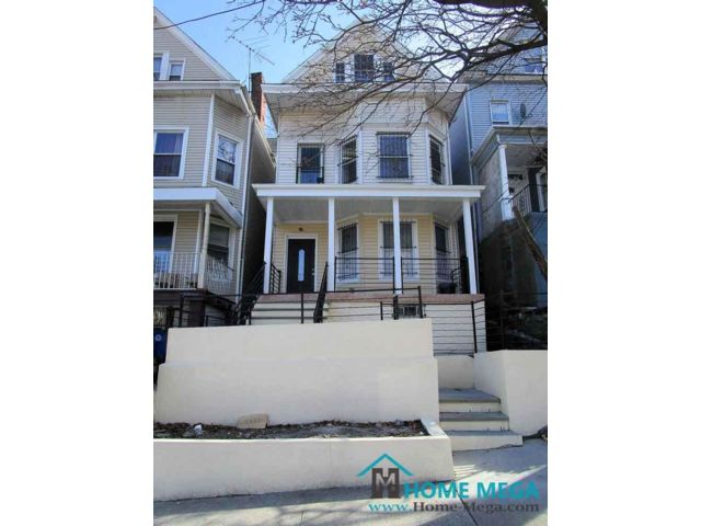 8 BR,  3.00 BTH  style home in Morris Heights