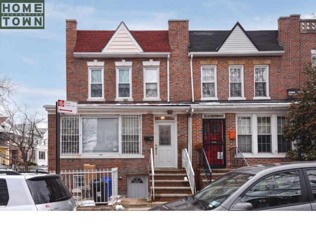 4 BR,  3.00 BTH   style home in Bay Ridge
