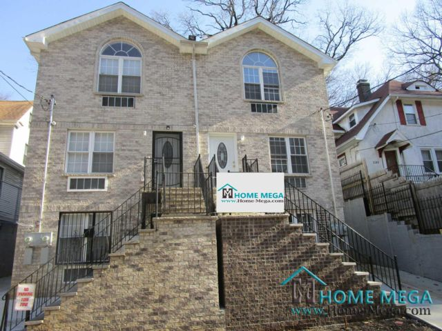 5 BR,  5.00 BTH  style home in Bronx
