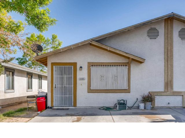 3 BR,  2.00 BTH Townhouse style home in Las Vegas