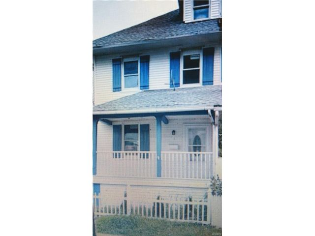 3 BR,  2.00 BTH  Town house style home in New Rochelle