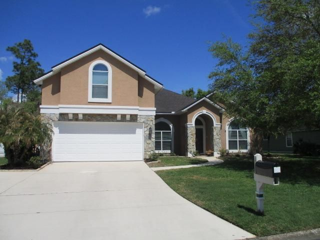 4 BR,  3.00 BTH  2 story style home in Fleming Island